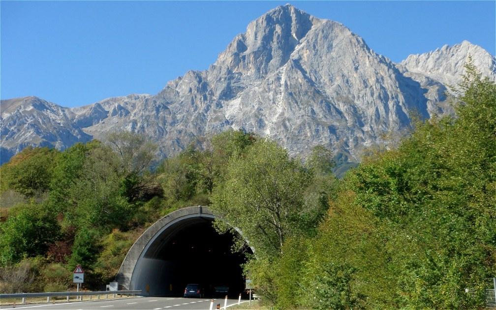 Gran-Sasso-Mountain-Tunnel